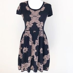 Romeo & Juliet Couture Floral Sweater Knit Dress